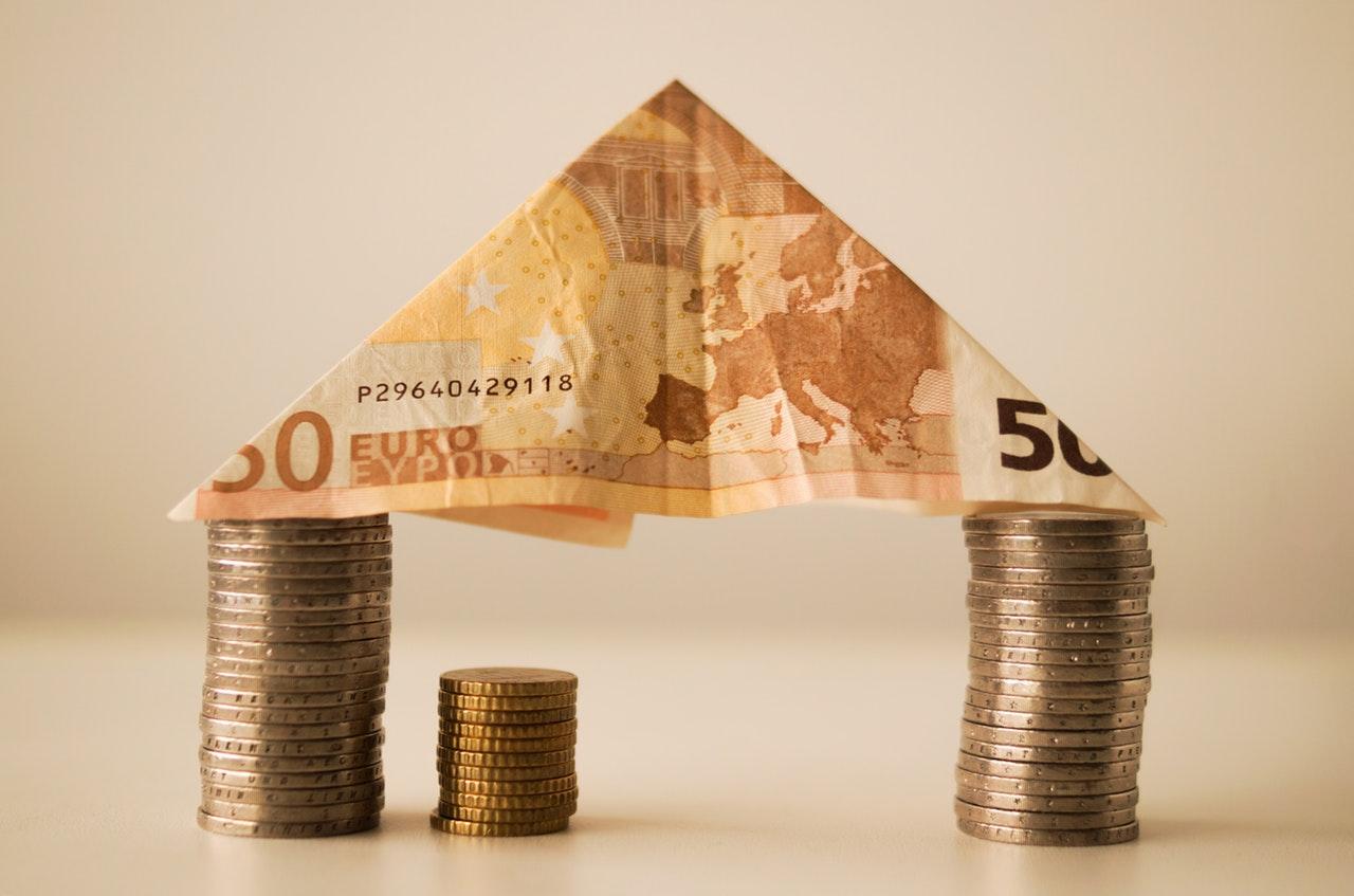 Draghi spricht mögliche Zinswende an