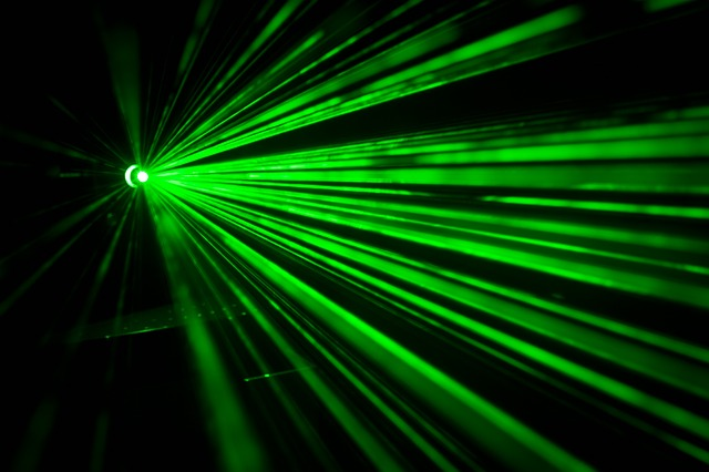 Laser-Netzwerke sollen Datenflut besser bewältigen