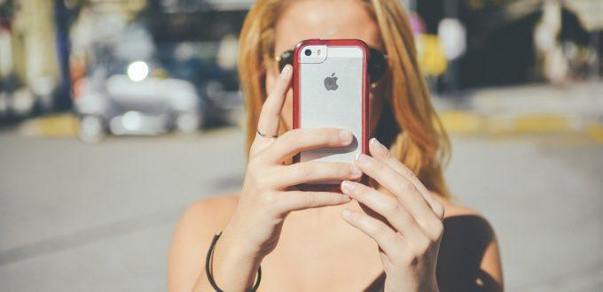 Apple: Tim Cook stellt vier neue iPhones vor