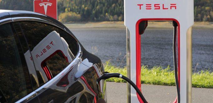 Tesla schafft es in den S&P 500